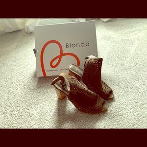 Blondo peep toe sandals in khaki